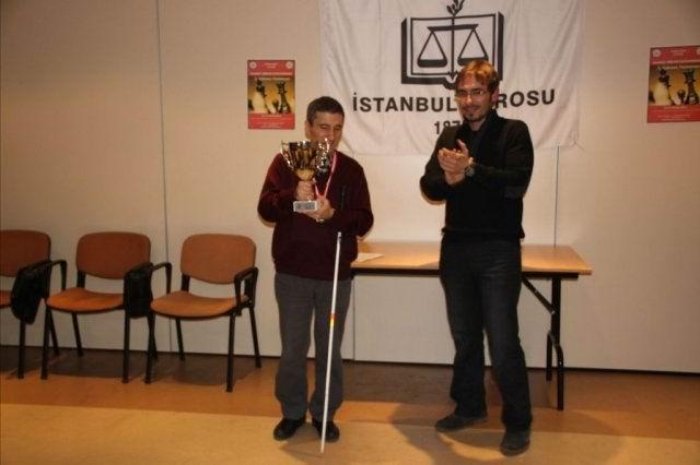 Baro Satranç Turnuvası Şampiyonluk kupasıyla